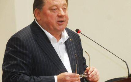 Скандальному ректору-регіоналу Мельнику, якого упіймали на хабарі, в суді стало зле
