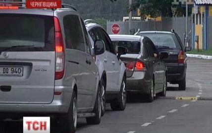 Спритники продають місця у грандіозному заторі на кордоні з Білоруссю по $ 50-100