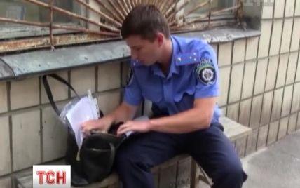 """Киянці повернули вкрадену """"автозлодієм"""" сумку за кілька хвилин після злочину"""