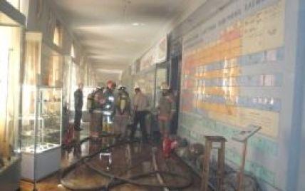 Через пожежу в зоологічному музею Києвом розповзлися змії