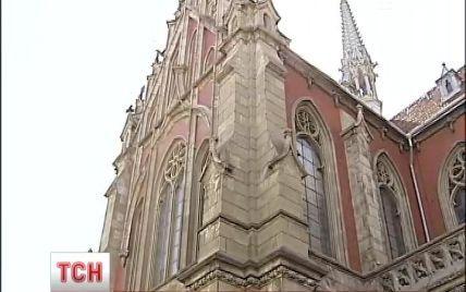 Київський костел святого Миколая розвалюється на очах та цвіте грибком
