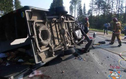 Українці, які розбилися в аварії у Білорусі, їхали в Росію укладати асфальт