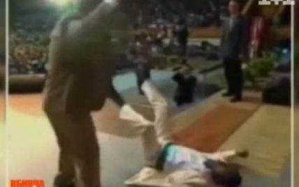 Аделаджу благословив зомбувати українців латвійський проповідник-психопат