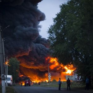 З'явилися фото масштабної пожежі на залізниці в Городищі