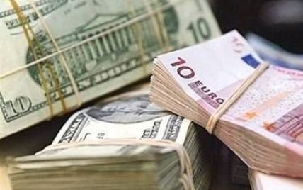 Перед выходными подорожали доллар и евро – курсы валют Нацбанка