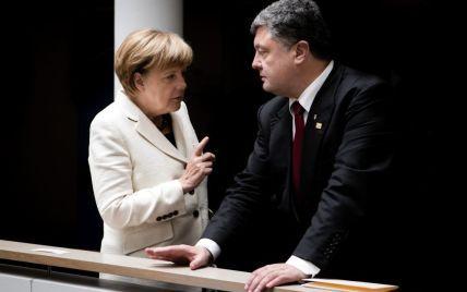Порошенко і Меркель хочуть якнайшвидших переговорів щодо Донбасу