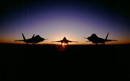 США могут разместить в Европе истребители пятого поколения F-22