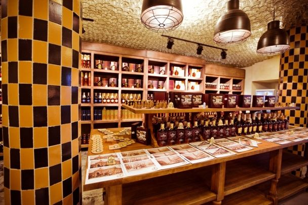 Сувенирная лавка в музее Шустова. / © Фото из соцсетей