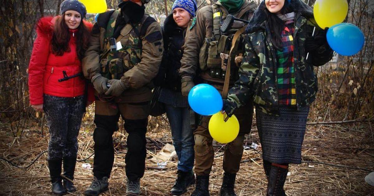 Українські артисти з'їздили до бійців в зону АТО / © mvs.gov.ua