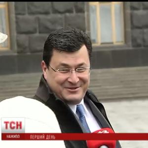 Новопризначені міністри ховаються від преси, а урядові іноземці – вчать українську
