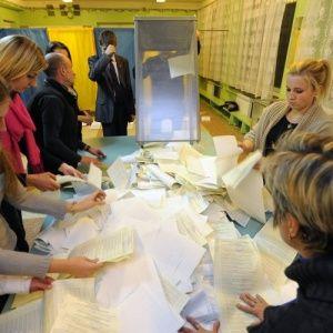 Вперше в історії українських виборів ЦВК не встигає підрахувати голоси