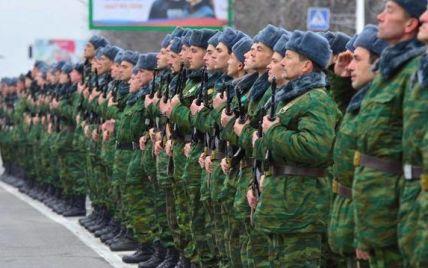 Російських солдатів-строковиків під тиском змушують їхати воювати на Донбас