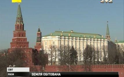"""Россияне испытывают политическое давление на несогласных с Кремлем и боятся """"железного занавеса"""""""