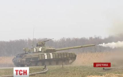 Військові під Маріуполем танками відбили атаку сепаратистів