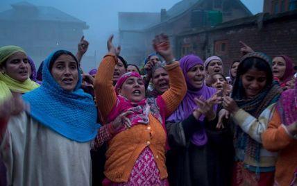 Индию шокировала смерть 13 женщин, которых неудачно стерилизовали