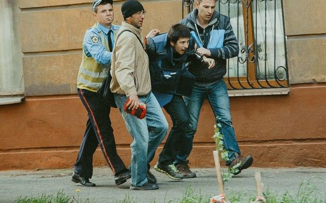 В Мариуполе Донецкой области сегодня кровавый День Победы - десятки убитых и раненых в ходе АТО / © 0629.com.ua