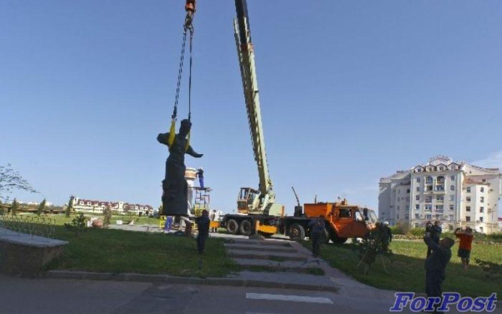 Демонтаж пам'ятника Сагайдачному в Севастополі / © sevastopol.su