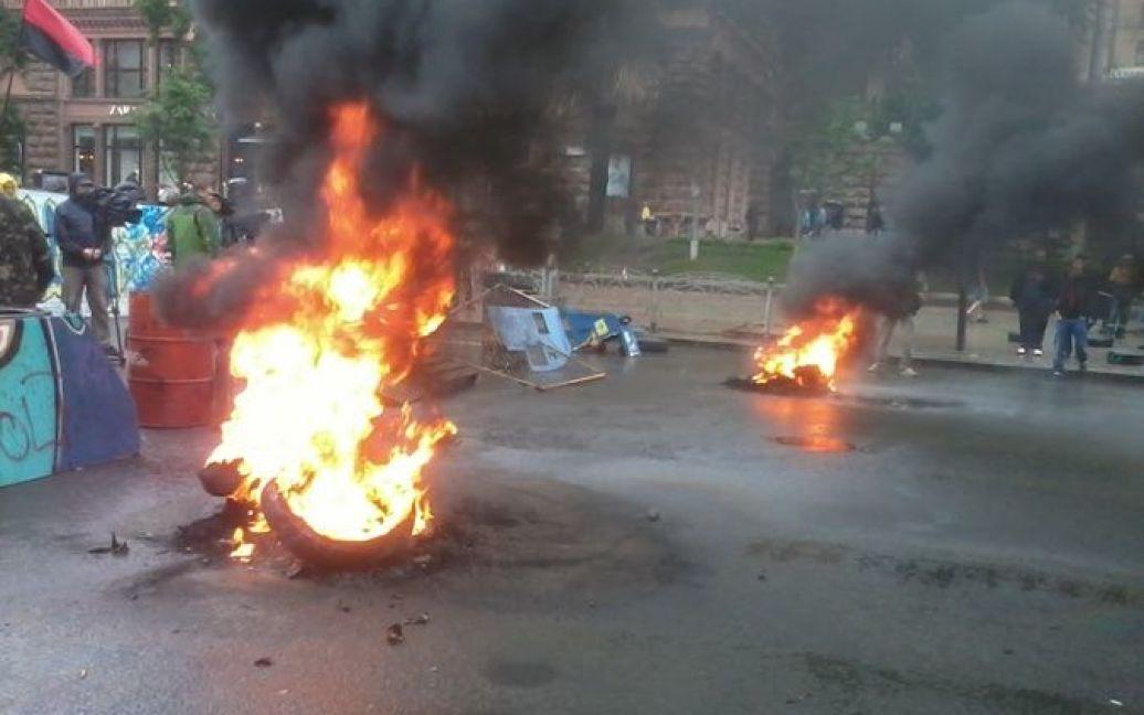 """На Майдане снова горят шины / © """"Комсомольская правда"""" в Украине"""
