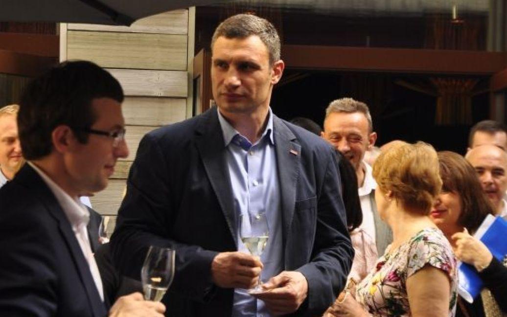 В ресторане гуляли около сотни коллег Кличко-старшего / © Изым Каумбаев