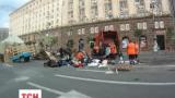 На Майдане начали разбирать палатки
