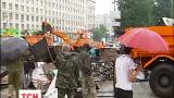 Часть баррикад в центре Киева разобрали