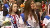 Одиннадцатиклассники отпраздновали последний звонок в вышиванках