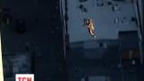 В США экстремал полетел с крыши 45-этажного небоскреба в Денвере с реактивным наплечником
