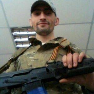 Топаза видели с сепаратистами в оккупированной ОГА в Донецке, а в интернете он хвастается оружием
