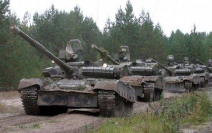 """У бік Тельманового рушила колона техніки з сотні танків, БТРів та """"Градів"""""""
