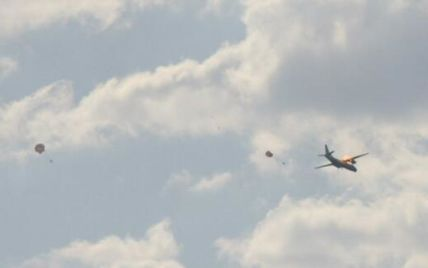 Стало известно о гибели пяти членов экипажа подбитого террористами самолета Ан-26