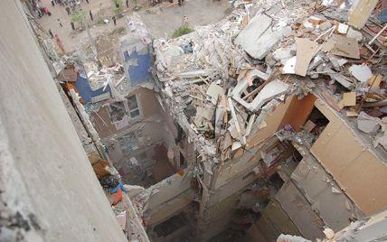 У Миколаєві розібрали весь 10-поверховий під'їзд, аби витягти сімох жертв вибуху в будинку