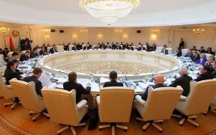 Білорусь і Казахстан відмовилися підтримати Росію у погіршенні стосунків з Україною