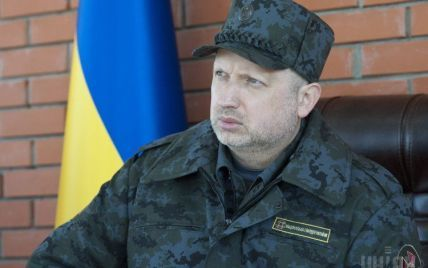 Турчинов уехал в командировку на Восток Украины