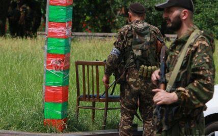 В Снежное прибыли три сотни террористов и выставили пулемет возле церкви - Ляшко