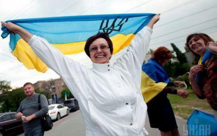 В Донецке стартовала забастовка против сепаратизма: слышны гудки предприятий