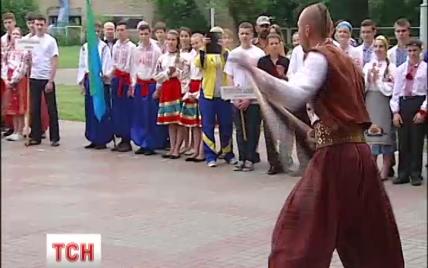 """В Киеве устроили казацкую """"войну"""" для школьников"""