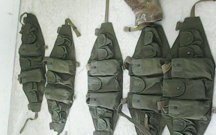 Из Крыма пытались ввезти военную форму с эмблемами Великобритании