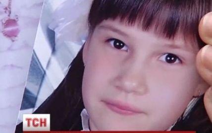 Столичная милиция неделю не может разглядеть на видео цвет авто, которое сбило насмерть 7-девочку