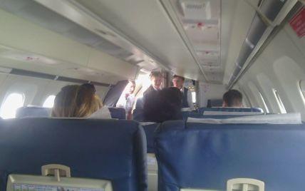 """Тимошенко полетела в Сумы на самолете компании, принадлежащей """"семье"""" Януковича"""