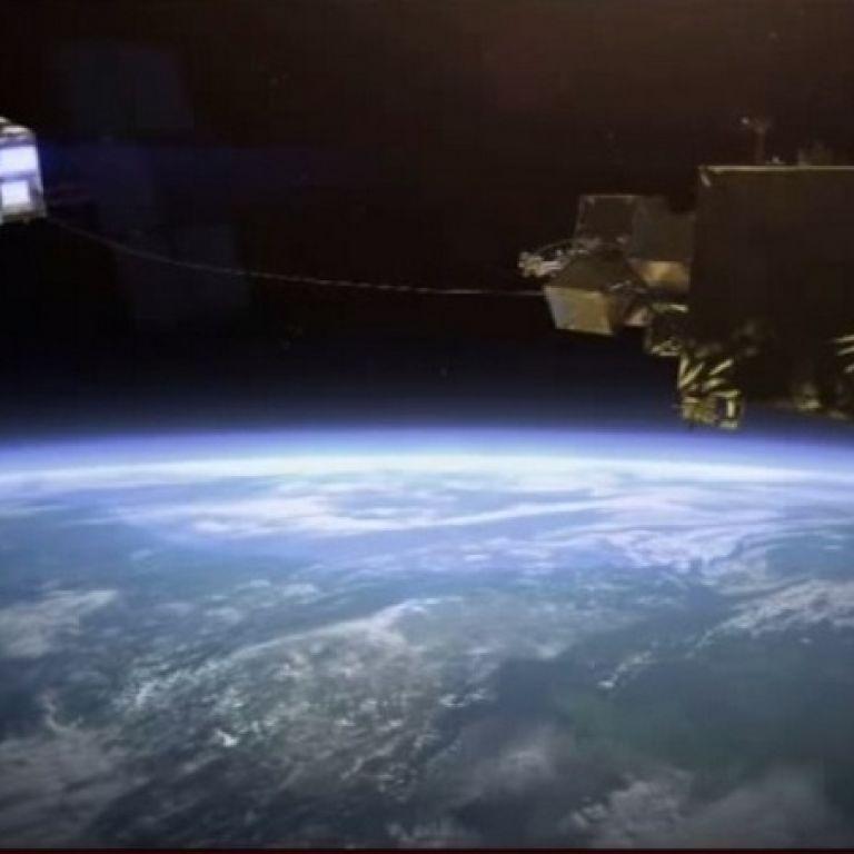 Европейское космическое агентство хочет запустить спутник-охотник с гарпуном