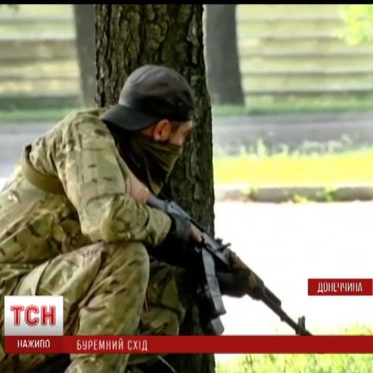 В Славянске снова бой: террористы в противогазах якобы готовятся устроить химатаку