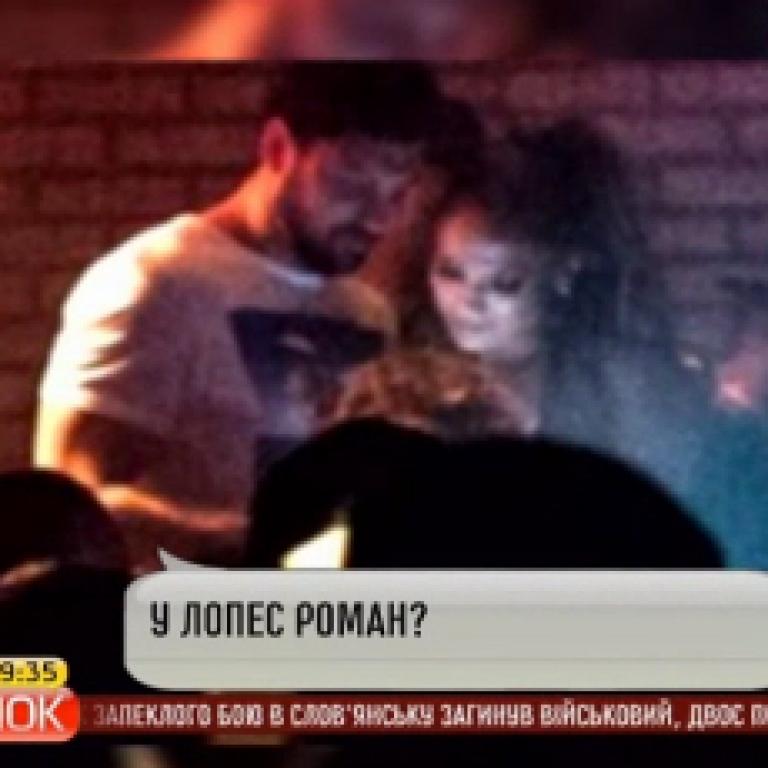 """""""Холостяк"""" Чмерковский не опровергает слухи о романе с Дженнифер Лопес"""