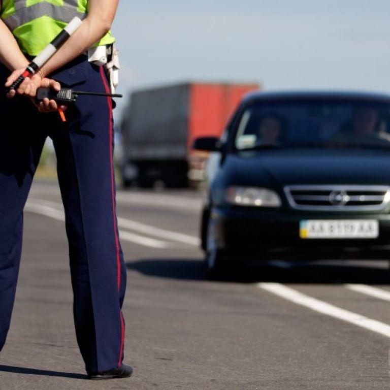 Осенью инспекторы ГАИ будуть обозначать проблемные авто GPS-маячками