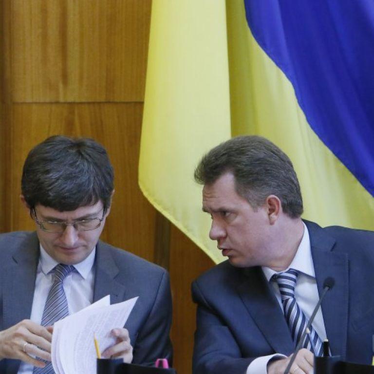 ЦВК отримала вже всі протоколи з мокрими печатками з окружних виборчих комісій