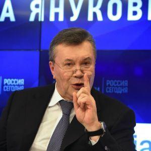 """У Білорусі на аукціон виставили """"юридичну справу"""" Януковича за ціною у понад пів мільйона гривень"""