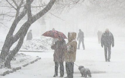 На сьогодні оголошено штормове попередження по всій Україні – будуть хуртовини, ожеледиця та вітри