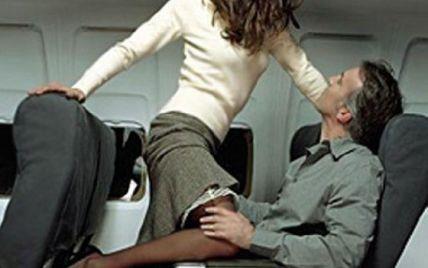 Пілот влаштував секс-ігрища з пасажиркою у салоні літака