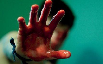 В Киеве в квартире нашли мертвого мужчину с замотанными скотчем ногами