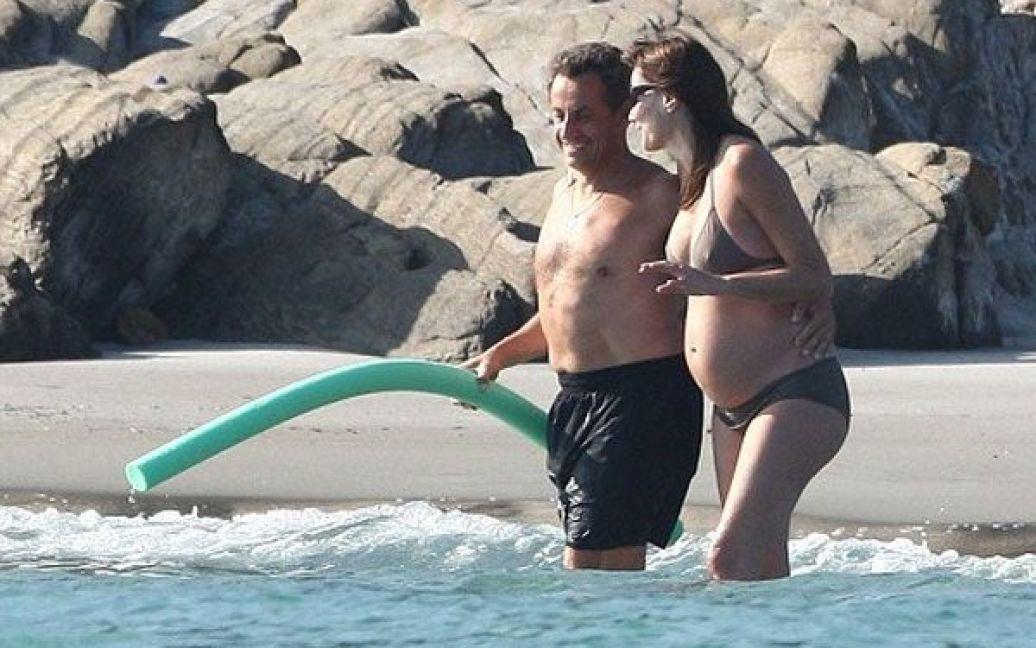 Ніколя Саркозі та вагітна Карла Бруні / © dailymail.co.uk