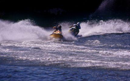 В Затоке водный скутер наехал на туриста, который плавал на резиновом матрасе: мужчина погиб